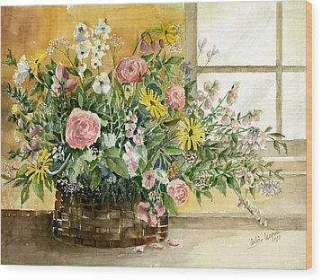 Basket Bouquet Wood Print by Arline Wagner