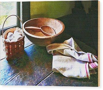 Basket Of Eggs Wood Print by Susan Savad