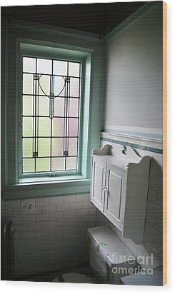 Wood Print featuring the photograph Vintage Bathroom Window by Bill Thomson