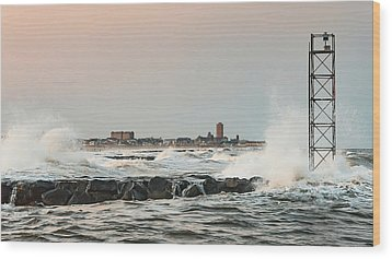 Battering The Shark River Inlet Wood Print by Gary Slawsky