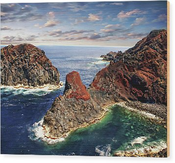Bay Of Ponta Da Barca Wood Print