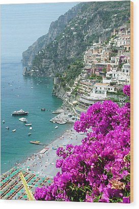 Beach At Positano Wood Print by Donna Corless