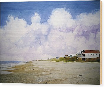 Beach Cottages Wood Print by Shirley Braithwaite Hunt