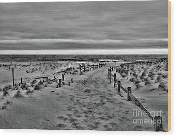 Beach Entry In Black And White Wood Print by Paul Ward