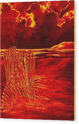 Beach Scene Wood Print by Michael Vigliotti