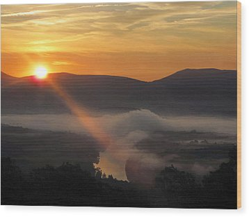 Beaming Shenandoah Wood Print by Lara Ellis