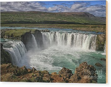 Beautiful Godafoss Waterfall In Iceland Wood Print