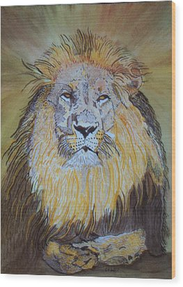 Beautiful Pose Of The King Wood Print by Connie Valasco