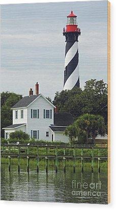 Beautiful Waterfront Lighthouse Wood Print