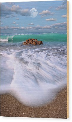 Beautiful Waves Under Full Moon At Coral Cove Beach In Jupiter, Florida Wood Print
