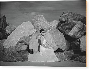 Beauty On The Rocks Wood Print
