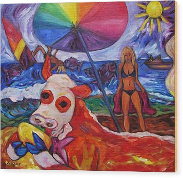 Beefy Eats Burga At The Beach Wood Print
