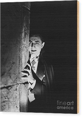 Bela Lugosi Dracula Wood Print by R Muirhead Art