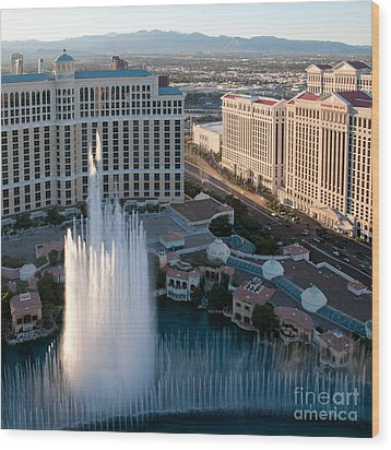 Bellagio Fountains At Dusk Wood Print by Andy Smy