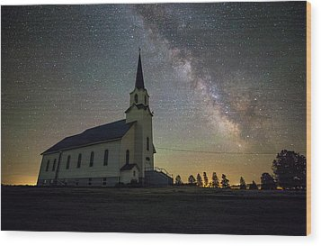 Wood Print featuring the photograph Belleview by Aaron J Groen