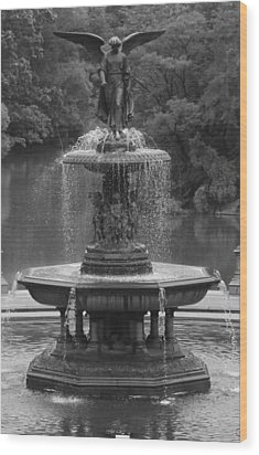 Bethesda Fountain Wood Print by Christopher Kirby