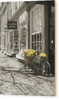 Bicycle With Flowers - Nantucket Wood Print by Henry Krauzyk