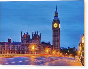 Big Ben At Night Wood Print by Donald Davis