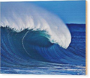 Big Blue Wave Wood Print by Paul Topp