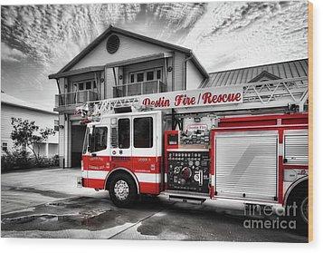 Big Red Fire Truck Wood Print by Mel Steinhauer