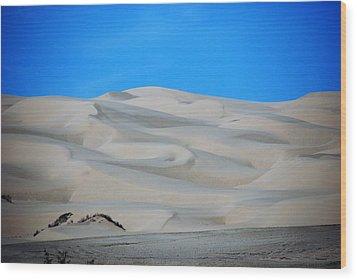 Big Sand Dunes In Ca Wood Print by Susanne Van Hulst