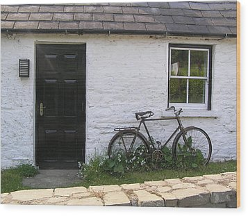 Bike And Irish Cottage Wood Print by Jeanette Oberholtzer
