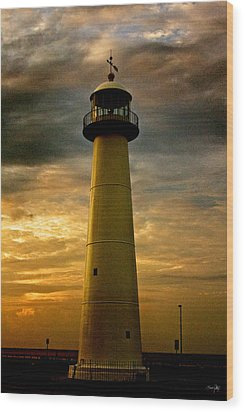 Biloxi Lighthouse - Sunrise Wood Print