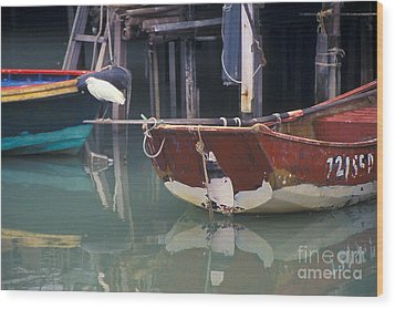 Bird On Boat Oar - Hong Kong Wood Print by Gordon Wood