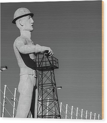 Wood Print featuring the photograph Black And White Tulsa Driller - Oklahoma by Gregory Ballos