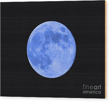 Blue Moon Close Up Wood Print by Al Powell Photography USA