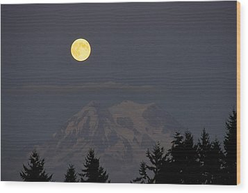 Blue Moon - Mount Rainier Wood Print