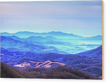 Blue Mountain Mist Wood Print by Dale R Carlson