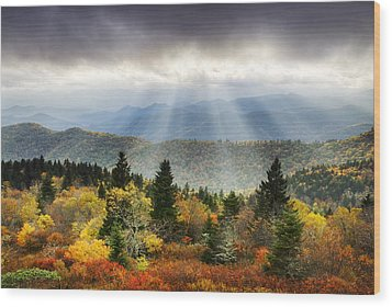 Blue Ridge Parkway Light Rays - Enlightenment Wood Print
