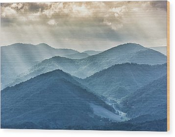 Blue Ridge Sunset Rays Wood Print