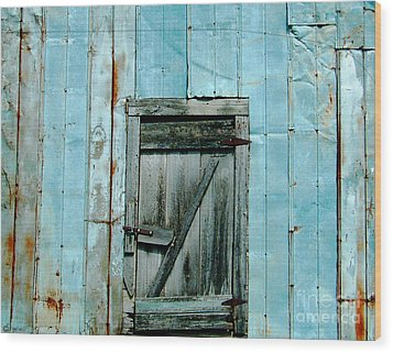 Blue Shed Door  Hwy 61 Mississippi Wood Print by Lizi Beard-Ward