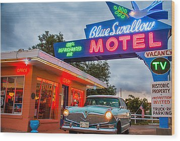 Blue Swallow Motel On Route 66 Wood Print