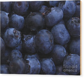 Blueberries Close-up - Horizontal Wood Print by Carol Groenen