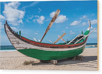 Boat Ashore Wood Print