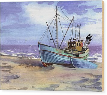 Boat On A Beach Wood Print
