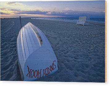 Boat On The New Jersey Shore At Sunset Wood Print by George Oze