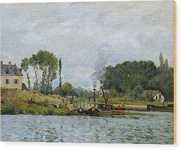 Boats At The Lock At Bougival Wood Print by Alfred Sisley