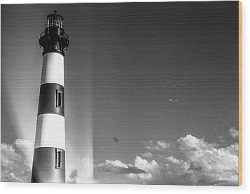 Wood Print featuring the photograph Bodie Island Lighthouse by David Sutton