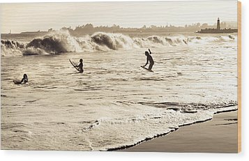 Body Surfing Family Wood Print by Marilyn Hunt