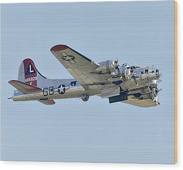 Boeing B-17g Flying Fortress Wood Print