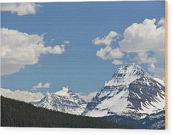 Bow Lake Mountains Wood Print