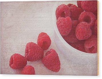 Bowl Of Red Raspberries Wood Print
