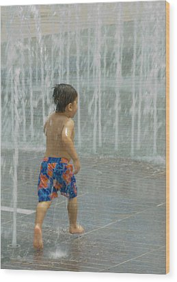 Boy Running In The Water Wood Print by Robert  Suggs