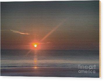 Breaking Dawn Daytona Beach Wood Print by Judy Hall-Folde