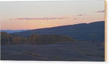 Breaking Morn Over Gore Range Wood Print by Daniel Hebard