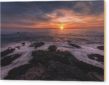Breaking Waves At Sunset Wood Print